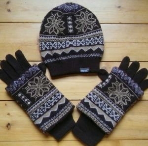 Accessories - Hat and Gloves Set